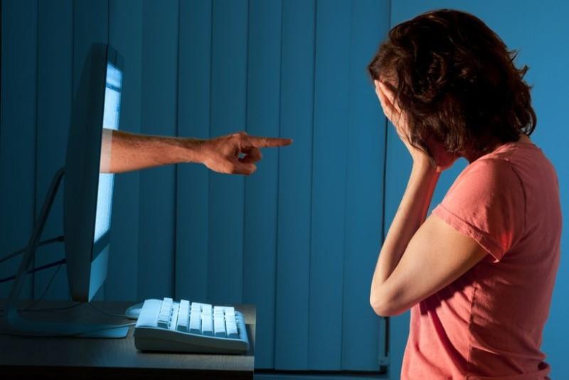 Cyber-Bullying-Photo