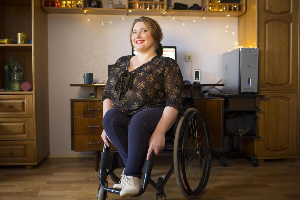 """Александра Городникова: """"Девушкам с инвалидностью непросто найти парня"""""""