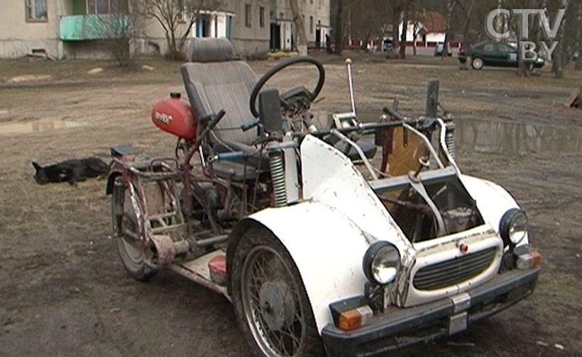 Инвалид – колясочник своими руками собрал автомобиль, трактор и лифт