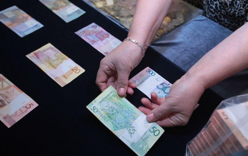 Минторг рассказал, как магазинам округлять цены после деноминации