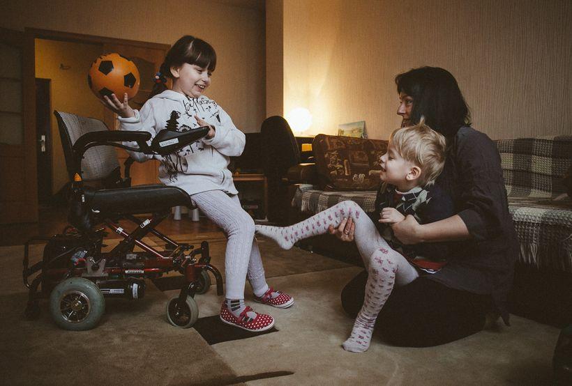 Анна Герина со своими детьми — Яной и Ваней. Фото: Александр Васюкович, Имена
