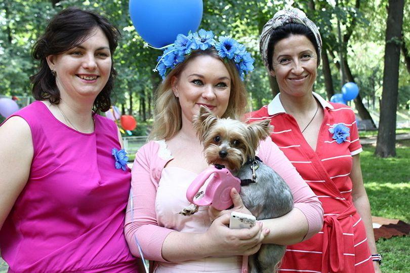 """Волонтеры фонда """"Живи сейчас"""" на пикнике в день поддержки людей с БАС"""
