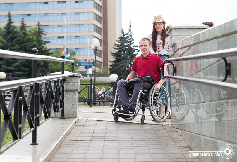 «Сантиметр решает всё!»: Минск протестировали на доступность для людей с инвалидностью