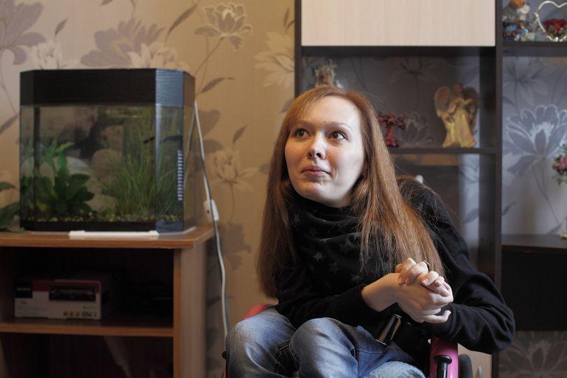 Айтишница из Линово. Как живет и работает девушка, которую не может вылечить ни один врач