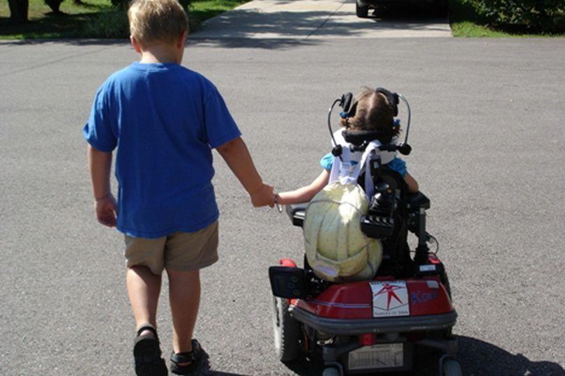 Если ребенка нельзя вылечить, надо ли продлевать его страдания?