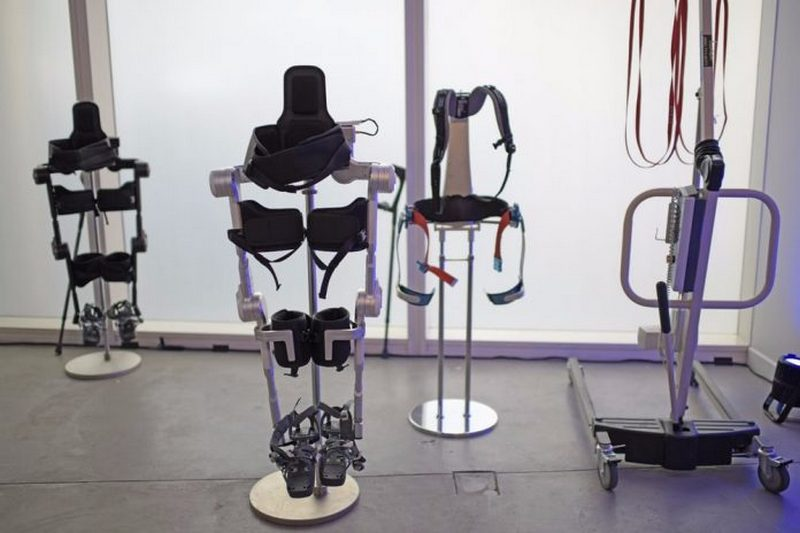 Hyundai показал свои прототипы экзоскелетов
