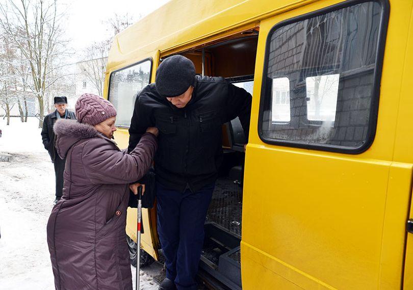 Пассажиры поневоле. Репортаж из салона социального такси