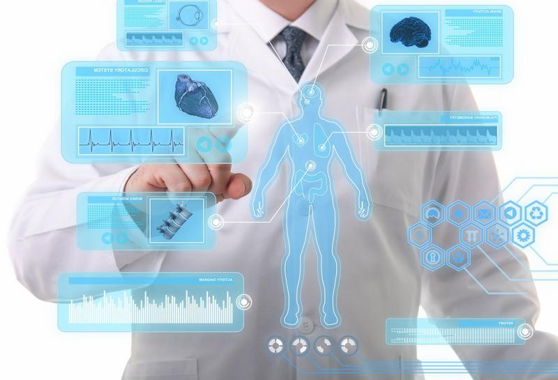 Врачи смогут консультировать пациентов в социальных сетях уже в 2017 году