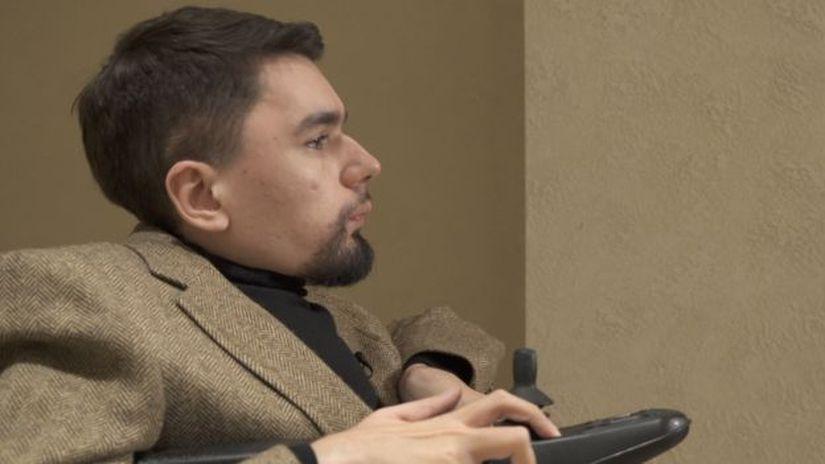 Юность Горбунов провел с семьей в Махачкале, учился в столице Дагестана на юриста, но свою жизнь посвятил торговле на финансовых рынках в Москве