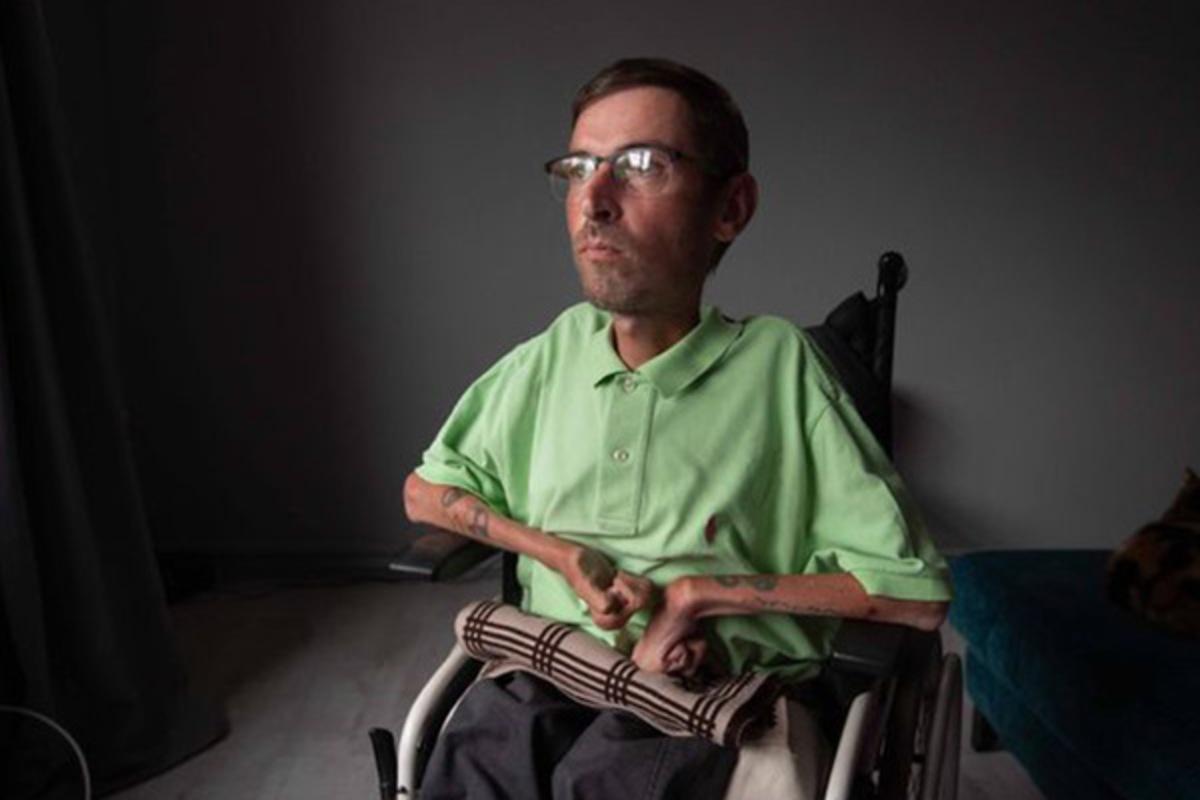 Инвалид покалечился в самолете из-за унижений стюардесс