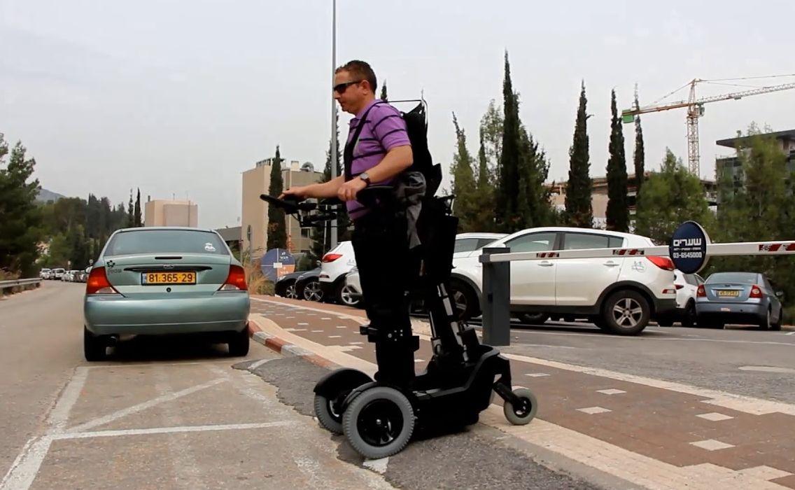 UPnRIDE: В Израиле появится кресло, ставящее парализованных на ноги