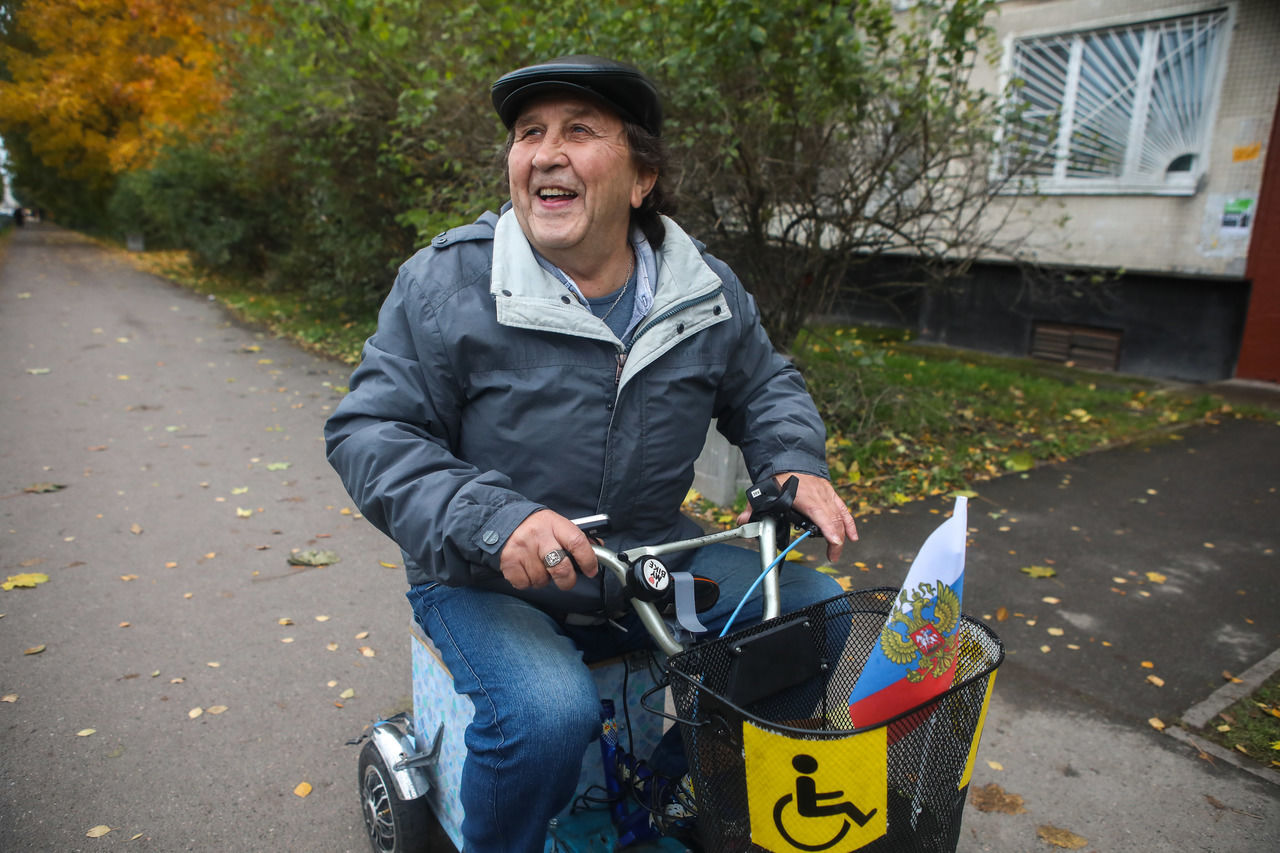 Скоростная коляска из гироскутера и детского велосипеда