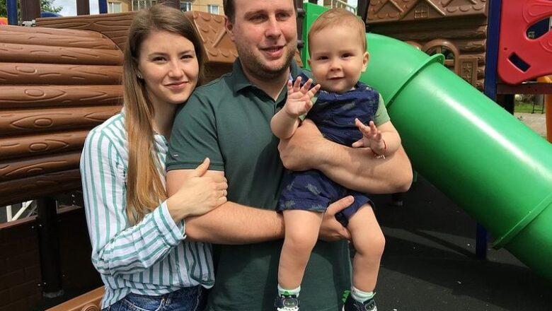 «Нам сказали: смиритесь, не привыкайте к ребенку, исход будет один – он умрет»: В Россию вернулся годовалый Дима Тишунин, который прошел уникальную генную терапию