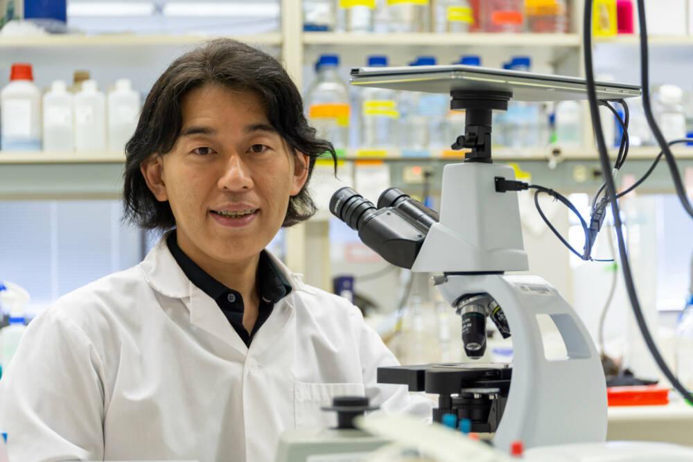 Медицинский генетик Университета Альберты Тосифума Йокота возглавил исследовательскую группу, которая создала потенциальное новое лечение для одной из самых распространенных форм мышечной дистрофии. / © Университет Альберты