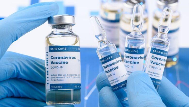 В Беларуси сто добровольцев испытают российскую вакцину от COVID-19