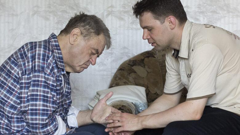Помните Веслава из Барановичей, который ухаживал за отцом — и оказался должен государству? Он выиграл суд