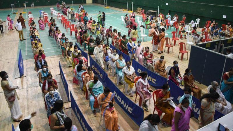 Власти Индии рассчитывают к июлю вакцинировать 250 миллионов человек
