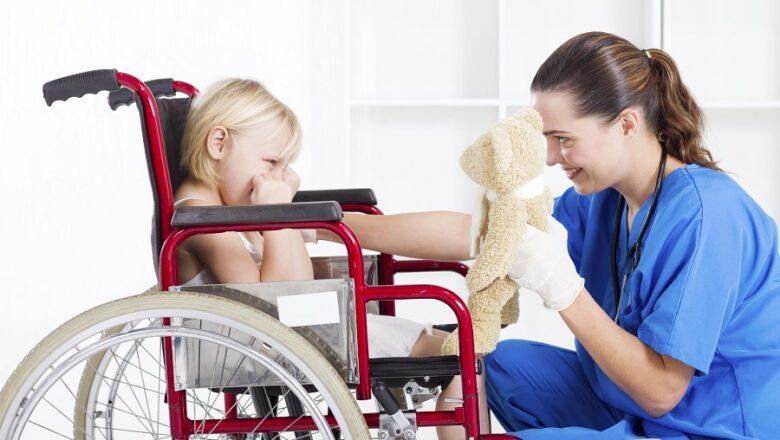 Няня для особенного ребенка: Мамы г. Ельска, о том насколько такая услуга востребована