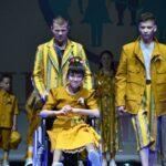 Дети-инвалиды в платьях от-кутюр, или Когда появляются цветные сны