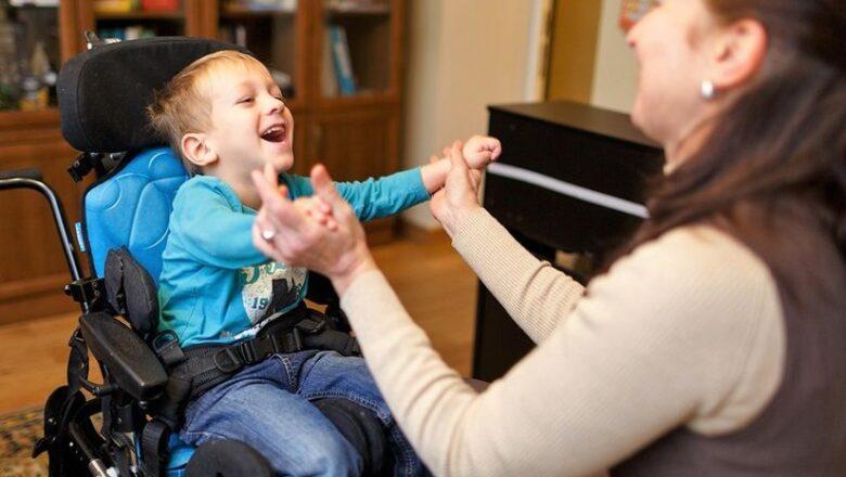 Кто поможет найти няню для ребенка с инвалидностью