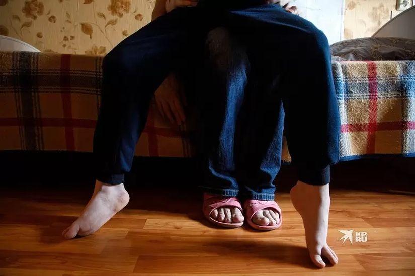 Болезнь у Димы регрессирует и с каждым днем ходить мальчику становится сложнее Фото: Марина Молдавская