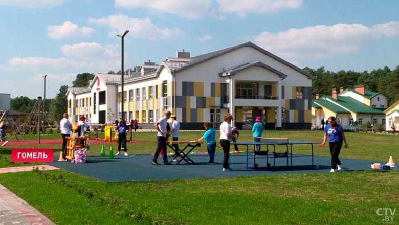 В Гомеле открыли первый в стране интегративный образовательно-терапевтический центр для людей с особенностями развития